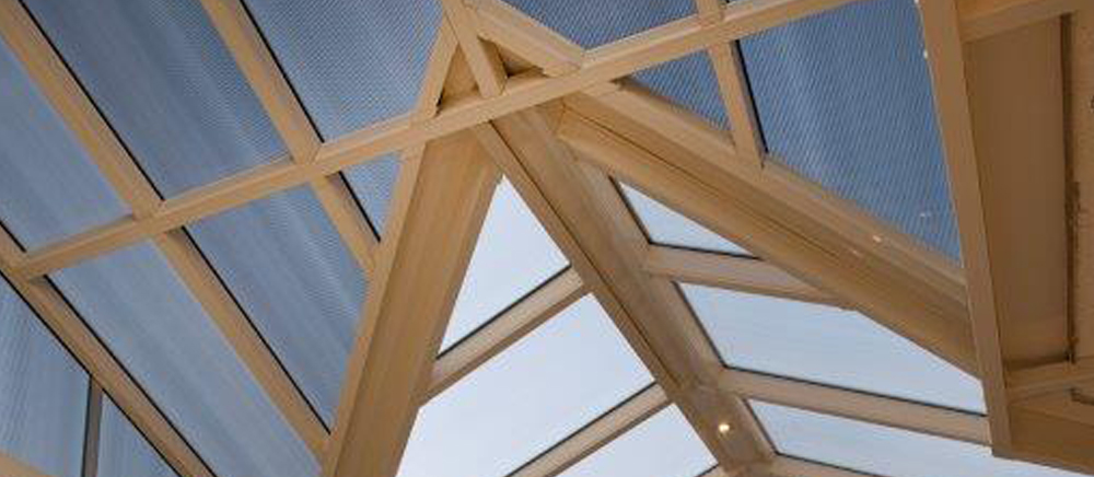 banner - hip roof